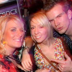 BeGood in Val D Isere at Dicks Tea Bar - Val D Isere - House Music London Photo Gallery